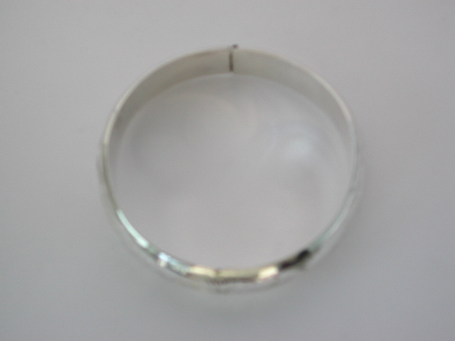 Giftware supplier wholesale 925. Sterling silver plain bangle