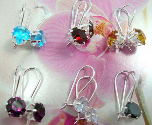 Clip closed 925. sterling silver earring with a rounded cz stone embedded on, assorted color randomly pick