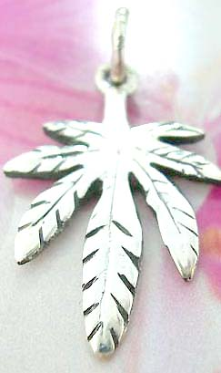 Thailand made solid sterling silver charm pendant in palm tree