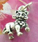 Elegant kitty design 925. Thailand made solid sterling silver charm pendant