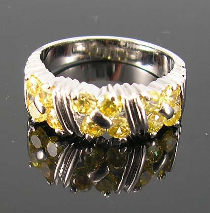 Distinctive cubic zirconia custom ring jewelry wholesaler supply yellow cz ring, central design