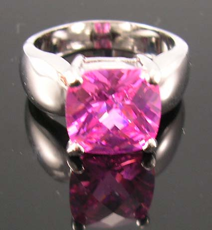 Fashion cz custom jewelry for cubic zirconia lover in rhodium ring with pink diamond cz lie in center