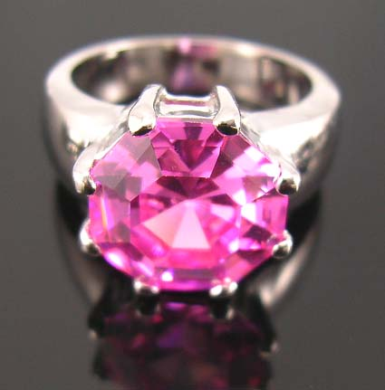 Celebrity custom cubic zirconia jewelry engagement ring with pink diamond cz in center design