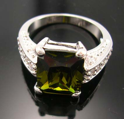Gorgeous diamond cz jewelry fashion design wholesale importer, olive green cz ring paired with multi mini clear cz