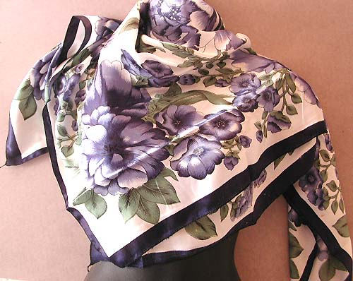 Fashiion scarf women flower-inspred supplier white wrinkle free polyester fashion scarf with purple flower decor