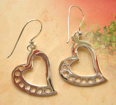 Catalog fashion cut-out sterling silver earrings in heart design
