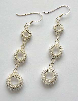 Discount fashion jewelry on line wholesaler in solid sterling silver earrings with triple circles chain