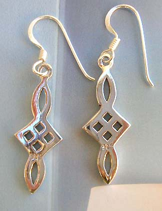 On line fashion Celtic knot jewelry shopping in sterling silver earrings
