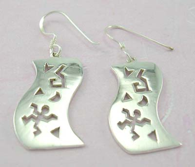 Designer wholesale fashion jewelry of cut-out sterling silver earring in wave design