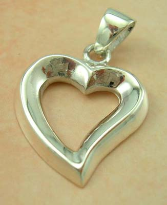 Online fashion jewelry inspired heart design store in sterling silver cut-out heart pendant