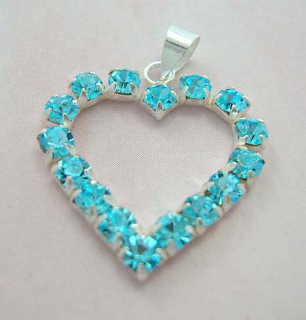 Wholesale fashion Cz pendant for lover supply sterling silver heart pendant with blue Cz embedded