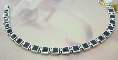Quality gemstone fashion jewelry shop online wholesale distribute sterling silver bracelect in square-shaped with onyx gemstone inlay