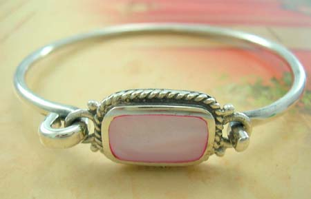 Fashion bangle gift shop in pink mother of pearal seashell made 925 sterling silver