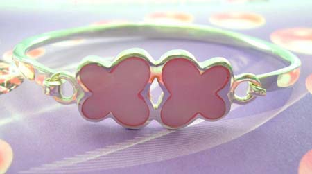 Teens delicate jewelry bangle manufacturer supply stelring silver bangle with pink mother of pearl in flower design