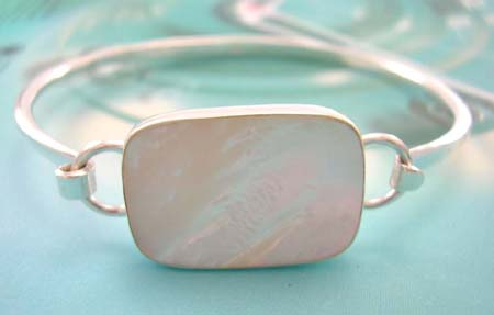 Custom mother-of-pearl jewelry fashion supplier supply sterling silver bangle with rectangular white mother of pearl in middle