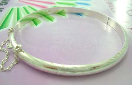 Jewelry gift shop for teens online wholesale supplier in sterling silver plain bangle with mini chain
