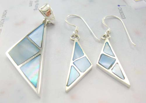 Mother-of-pearl jewelry set display wholesale, sterling silver earrings and pendant in blue mother of pearl inlay triangular-shaped